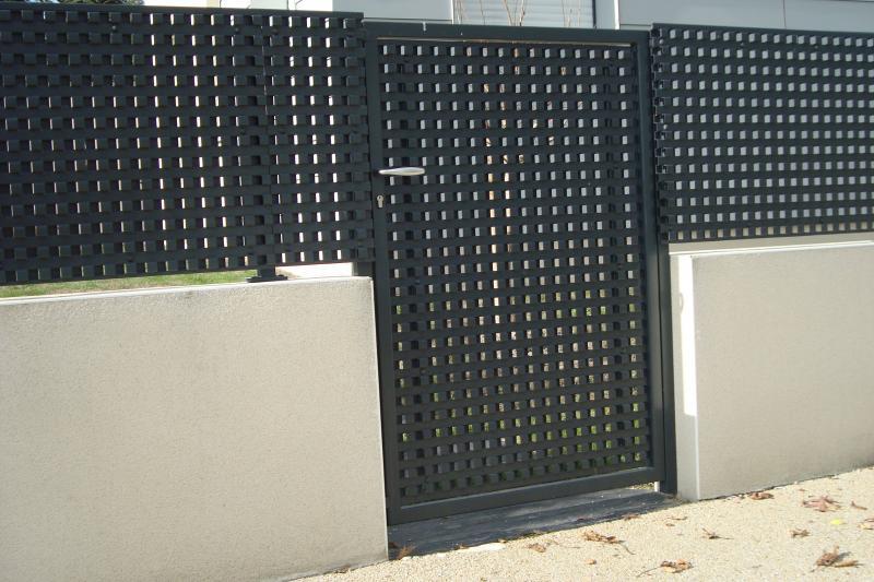 Panneau brise vue aluminium stunning brise vue moderne for Portillon solde